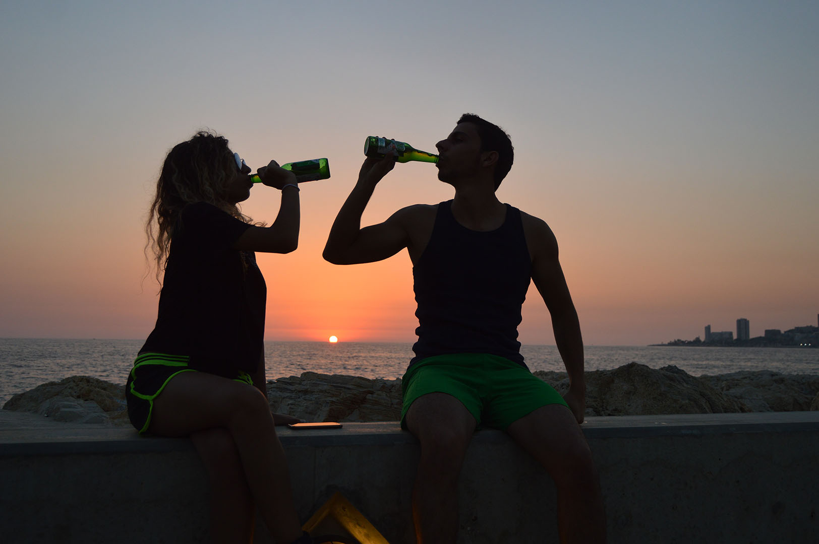 Behavioral economics and motivation research: Same beer on the beach, two different contexts